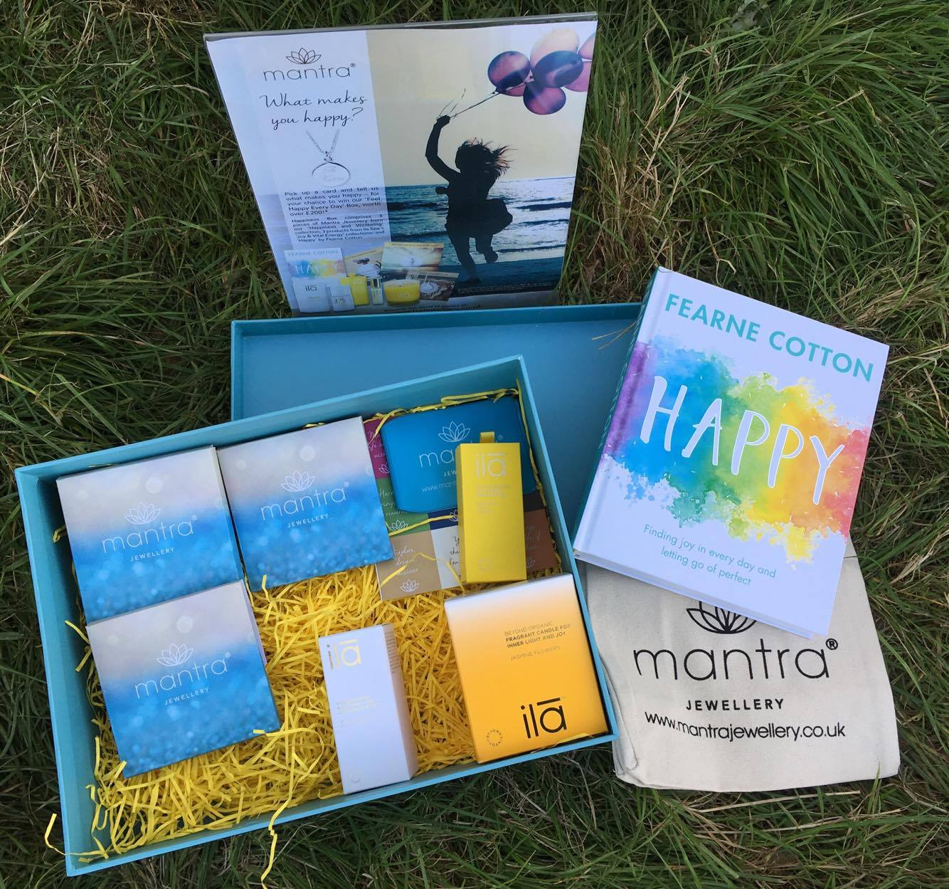 Feel Happy Every Day Box from Mantra Jewellery